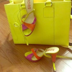 New Micheal kors ankle wrap block colored heel!